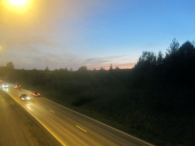 solnedgång biltrafik vendelsö