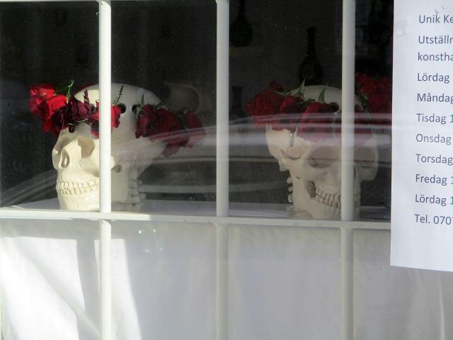 dödskallar med rosenkrans heleneborgsgatan