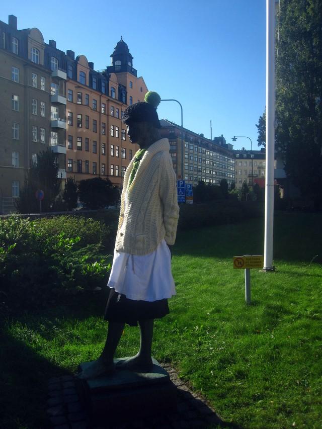 konst skulptur påklädd stadsarkivet